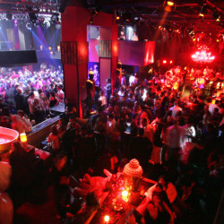 Nightclub patrons pack the dance floor at Tao in the Venetian early Sunday, December 25, 2005.  SAM MORRIS / LAS VEGAS SUN
